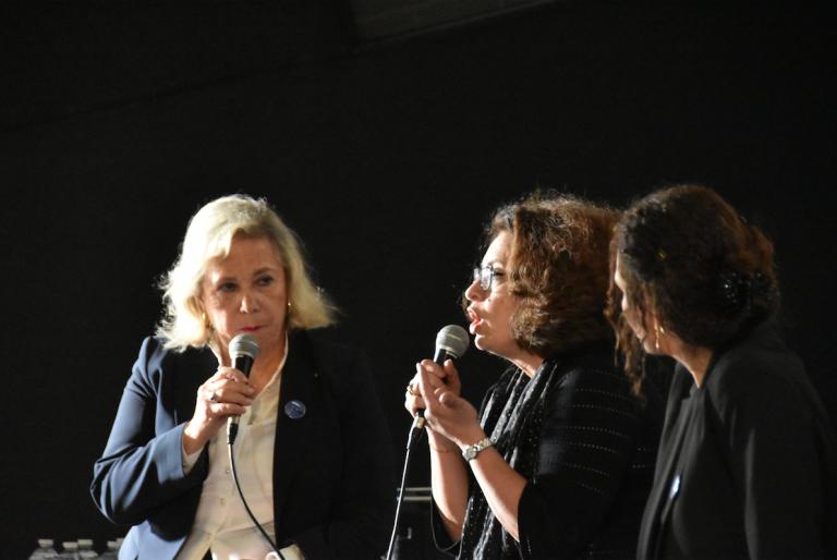Projection-débat à St Denis